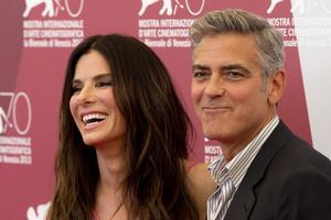 Sandra Bullock och George Clooney spred stjärnglans i Venedig med sin nya film