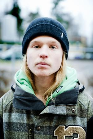Viktor Wallmark representerar Faluns ungdomsambassadörer som skickat in medborgarförslaget om gratis busskort.