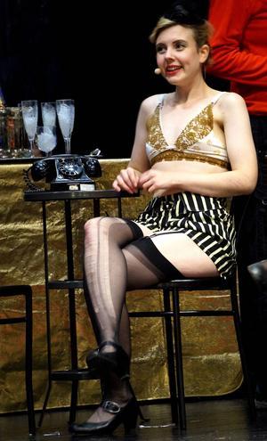 Sanne Bojfeldt spelar en av Kit Kat girls.