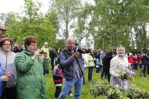 Holländska frilansfotografen Max de Krijger hade fullt upp med att fotografera midsommaren på Jamtli till nästa års campingreportage om Jämtland.
