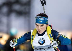 Elisabeth Högberg avbryter säsongen, men har inga tankar på att lägga av.