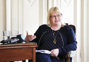 – Människor söker sig till storstäder eftersom de vill känna pulsen. Då är det viktigt att Gävle kan finnas med där och vara motorn i vårt län, säger kommunalrådet Helene Åkerlind, L.