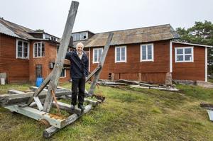 intakt. Norrvikens båtvarv, med sin unika miljö och den lilla utbyggnaden på gaveln, är ett av de småbåtsvarv Claes Lund skildrar i sin nya skrift om Vätös småbåtsbyggerier.