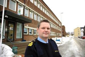 POSITIV. Niklas Hållkvist, närpolischef i Tierp, vittnar om en positiv anda och engagemang hos poliserna vilket har resulterat i att de uppnådde målet för 2010.