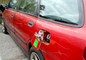 Gun Narfströms bil fick så stora skador att den skrotades.
