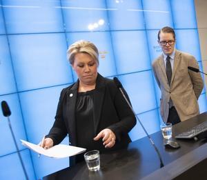 Energipolitiska talespersonerna Camilla Brodin (KD), Lars Hjälmered (M). Foto: TT