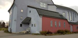 Rebekka Karijord är numera Järnabo och uppträder på Kulturhuset i Ytterjärna på lördag.