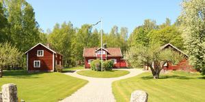 En gård utanför Kungsör är veckans mest klickade. Foto: Kim Lill/Husfoto