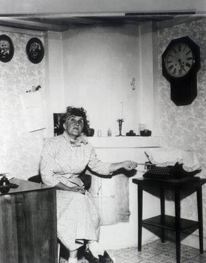 Moa Martinsson hemma i sitt torp Johannesdal i Sorunda. Foto: TT Nyhetsbyrån