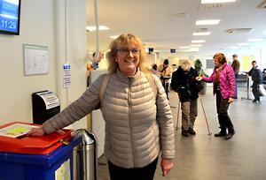 Anna-Lena Bahadori Lundgren från Alnö var en av många Sundsvallsbor som lämnade  in deklarationen på det lokala skattekontoret när det öppnade i dag.
