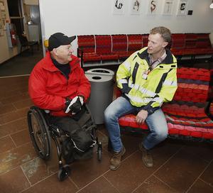 Det var enhetschefen på Åre-Östersunds flygplats, Tommy Olsson, som kom på idén att SAS skulle döpa ett av sina flygplan till Ambjörn Viking.