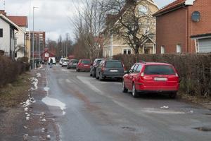Insändarskribenten är frågande till hur det fungerar med parkeringar i Sala kommun.