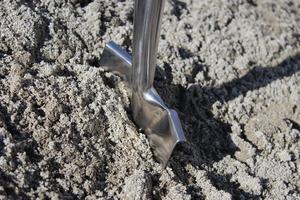 Det har vänt! Just nu händer positiva saker och man har satt spaden i jorden för flera byggen i Söderhamn, påpekar insändaren. Bild av Patrick Sommer från Pixabay .