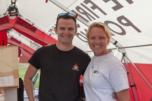 Cecilia Uneram, värd från MSB tillsammans med en av teamledarna Grzegorz