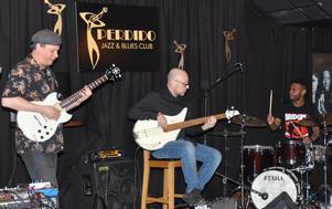 Kurt Rosenwinkel Standards Trio. Kurt på gitarr, Dario Deidda på elbas och Mark Whitfield Jr på trummor. FOTO: BENGT FERM