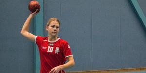 Matilda Rasmus spelar i VästeråsIrsta A-flick 02.