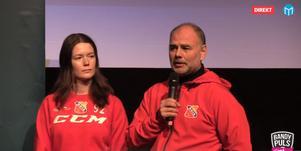 Ebba Wengström, här med tränaren Ronnie Alsén, blir en av nycklarna i Uppsala BoIS jakt på att hålla sig kvar. Bild: Bandypuls