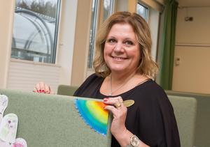 Klassläraren och mentorn Marie Bjureström framhäver att relationen mellan henne och eleverna är viktig då hennes arbete bland annat handlar om att se varje individ och dennes behov.