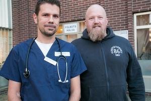 Daniel Marmgård, läkare, och Andreas Hägre, sjuksköterska, har öppnat Södertörn hälso- och sjukvård i Folkets hälsas lokaler på Stadshusplatsen i Nynäshamn.
