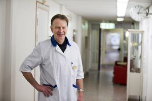 400 remisser per år. Mats Rothman, verksamhetsansvarig EPM, Landstinget Västmanland. 150 personer per år behandlas här.