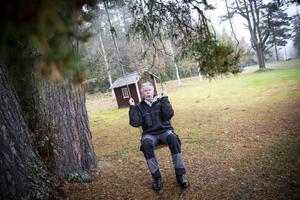 Lennart Raswill är inte den vanlige kyrkoherden. Har tittar under lugg och gör gärna saker på sitt vis.