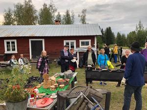 Kolbullar och kolmila hör ihop och här får gästerna smaka och se! Foto: Anita Johansson.