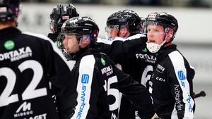 Joakim Bergman lämnar sin moderklubb för Falu BS efter en säsong med begränsat med speltid.