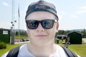 Hugo Johansson, 19, undersköterska, Ånge:
