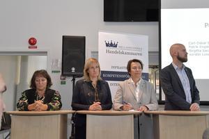 Handelskammarens möte om flyget i MoraKerstin Lundh, MP, Anna Hed, C, Birgitta Sacrédeus, KD och Carl-Oskar Bohlin, M