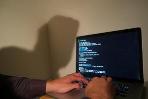 Vad är möjligt att hacka? Foto Gustav Sjöholm / TT