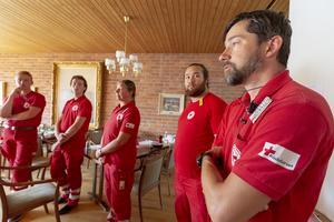 På bild: Röda Korsets första hjälpen-grupp som är stationerade i Svegs församlingshem.