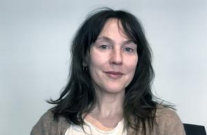Natalie Ringler regisserar Folkteaterns uppsättning av