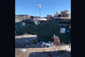 Skribenten har tagit en bild på Ica Maxis återvinningsstation. Bild: Privat