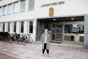 Karin Antonsson Brink håller koll på pollennivåerna för Länsstyrelsen Gävleborg.