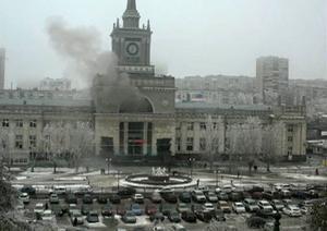 15 människor dödades i går vid ett bombdåd mot centralstationen i Volgograd.