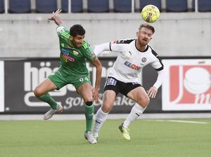 Ferhad Ayaz hade flera dueller med Michael Almebäck. Bild: Pontus Lundahl/TT