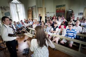 I Bönhuset spelade bland andra Ahlberg, Ek och Roswall.