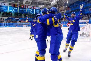 Damkronorna kunde efter stor dramatik segerjubla. Bild: Carl Sandin/Bildbyrån