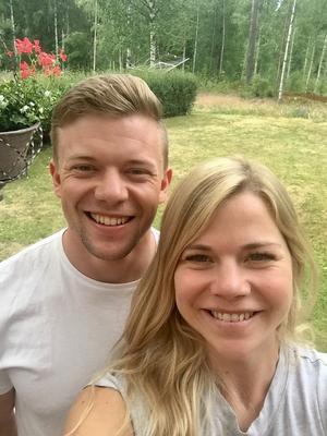 Nu äkta makar,  Eva Rosqvist och Fredrik Hedbys. Foto: Privat