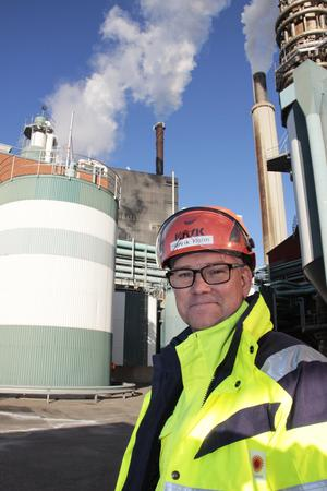 Henrik Holm, platschef vid Skutskärs Bruk, där det jobbar cirka 400 personer.