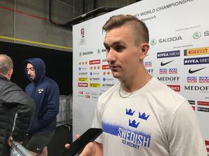 Mikael Backlund när han möter Hockeypuls och VLT i mixade zonen i Royal Arena i Köpenhamn, spelplatsen för svenskarna under hela VM-turneringen.