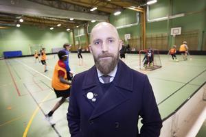 Johan Göransson brinner för jämställdhetsfrågor. Som ny spelare i Andersbergs IBK tog han chansen att lyfta frågan.