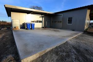 En utbyggnad på 80 kvadratmeter för lager och utlastning är under uppbyggnad.