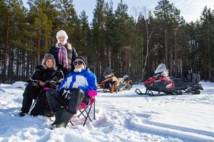 Inger Sanneh, Pernilla Bodin och Petar Dichev njöt av att få tillbringa en dag på isen.