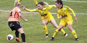 Jonnah Tönners och Frida Pickles under en match mot Kungsbacka 2018.