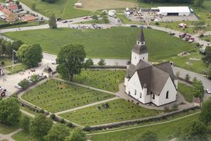 Sorunda kyrka fick sin nuvarande form runt år 1500. Krucifixet är från ungefär samma tid. Uppskattningsvis är det gjort år 1500-1525.