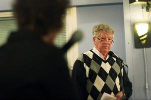 – Hur mycket ska ideologin få kosta Ragunda kommun, undrar Bo Bergström (AfR) och efterlyser därför ett privat alternativ för det nya äldreboendet.