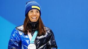 Charlotte Kalla tog emot silvret på Medal Plaza. Foto: Joel Marklund (Bildbyrån).