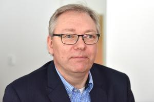 Stefan Linde, kommundirektör, förklarade vad underskottet beror på.