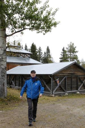 Besökscentrets byggnad började uppföras 1993, även den var en arbetsmarknadspolitisk åtgärd, här har Bosse Nilsson gått hundratals gånger.